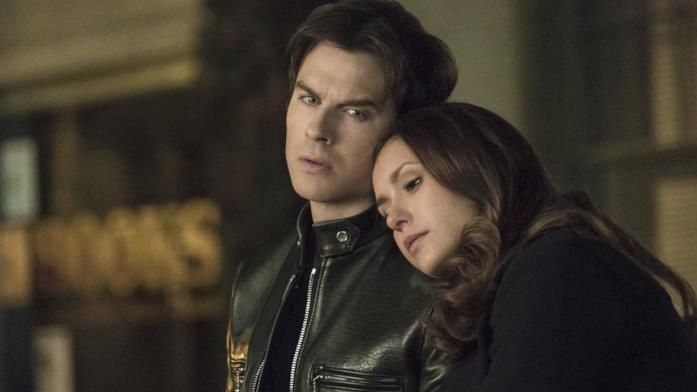 Gli attori Nina Dobrev e Ian Somerhalder in un fotogramma tratto da The Vampire Diaries