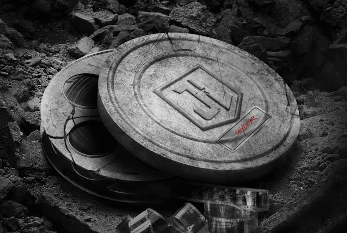 Il poster in bianco e nero della Snyder Cut di Justice League