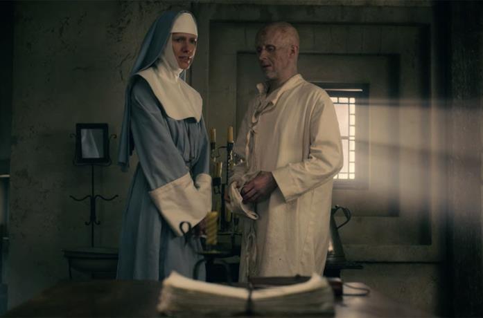 Suor Agatha e Jonathan Harker in Dracula