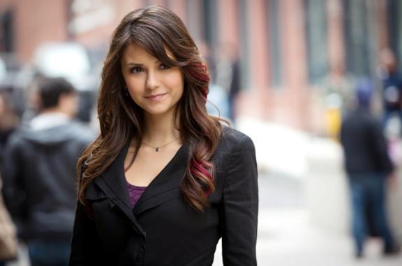 Nina Dobrev è Elena Glbert in The Vampire Diaries