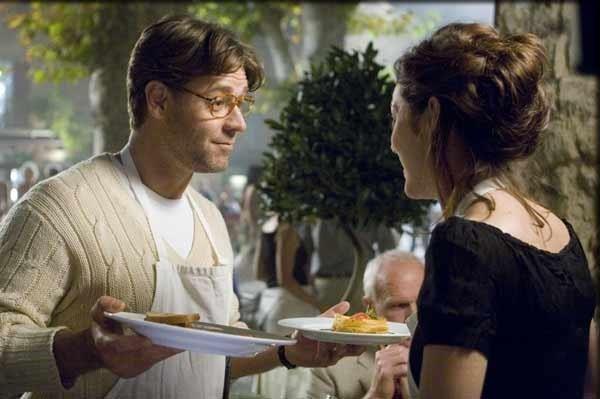 Russell Crowe serve ai tavoli in Un'ottima annata