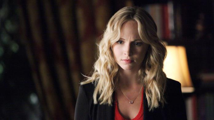 Candice Accola recita il ruolo di Caroline Forbes in The Vampire Diaries