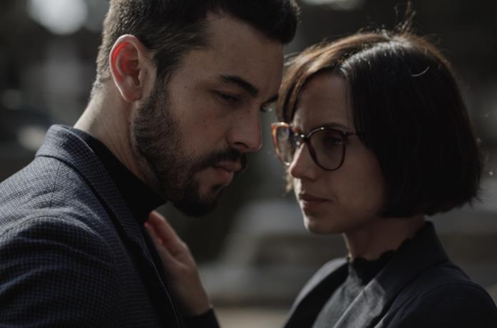 Mateo e Olivia in Suburbia Killer