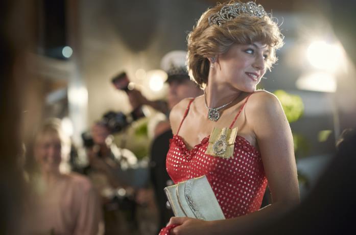Emma Corrin è Diana Spencer in The Crown