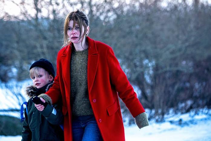 Benjamín Daði Árnason e Anita Briem in una scena del film Quake