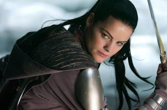 Jaimie Alexander in Thor come Lady Sif