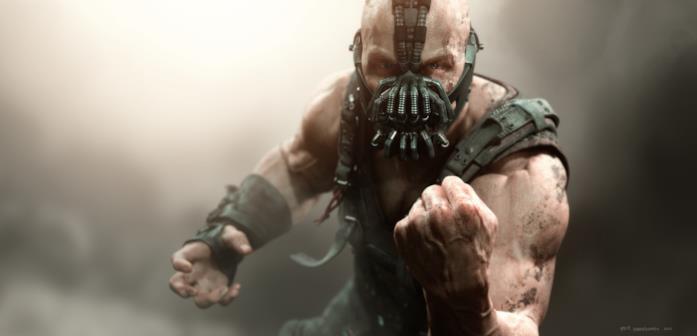 Mezzobusto di Tom Hardy truccato da Bane in posa minacciosa