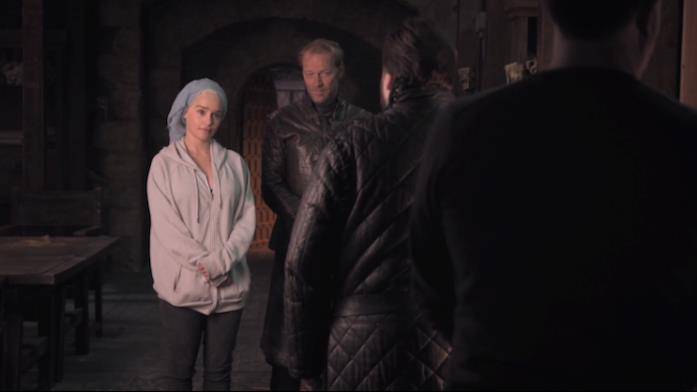 Emilia Clarke, Iain Glen e John Bradley sul set di Game of Thrones 8x01