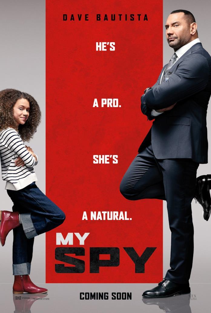 Dave Bautista e Chloe Coleman nel poster internazionale di My Spy