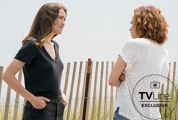 Le sorellastre Liz e Jennifer a confronto in una immagine della sesta stagione di The Blacklist