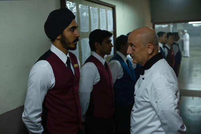 Dev Patel sta per essere cacciato dallo chef del hotel