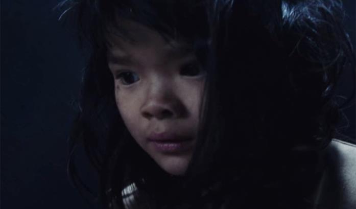 La misteriosa bambina de Il buco