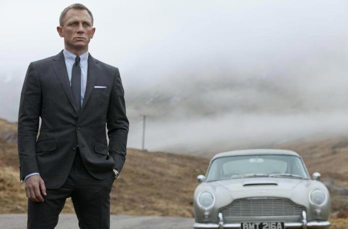 Daniel Craig in una scena del film Skyfall