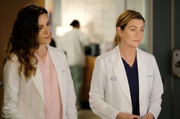 Carina e Meredith in una scena di Grey's Anatomy 16
