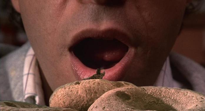 I protagonisti del film diventano microscopici