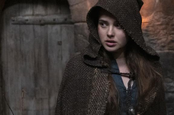 Katherine Langford, protagonista di Cursed