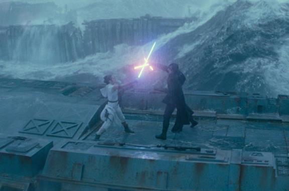 Rey e Kylo in un'immagine ufficiale