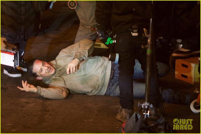 Tom Hardy al tappeto sul set di Venom