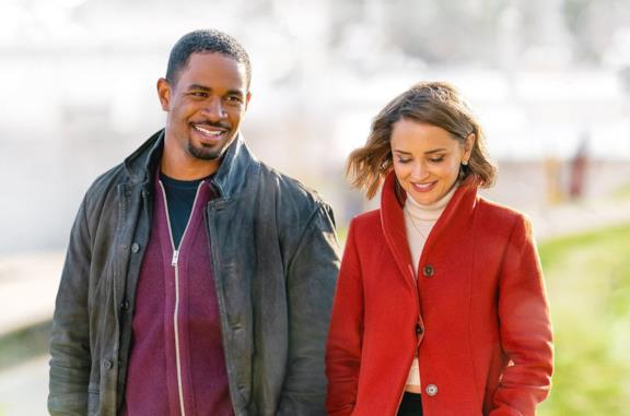 Love, Guaranteed: trailer, trama e cast del film Netflix