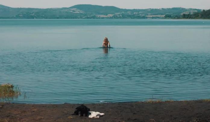 Scena Bella da morire lago con Cristiana Capotondi