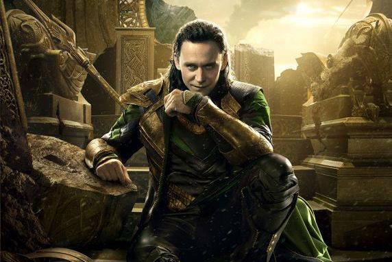Loki interpretato da Tom Hiddleston