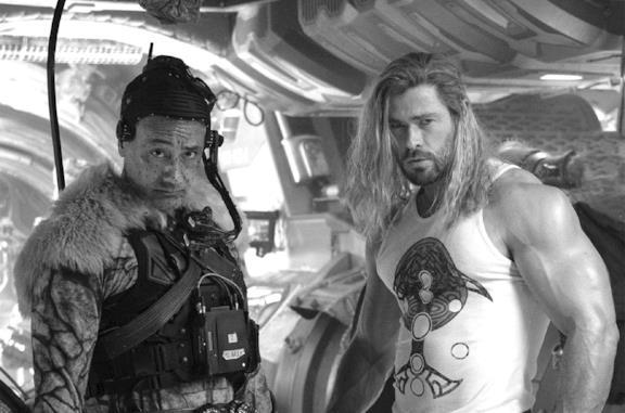 Finite le riprese di Thor 4: l'annuncio di Chris Hemsworth e Taika Waititi