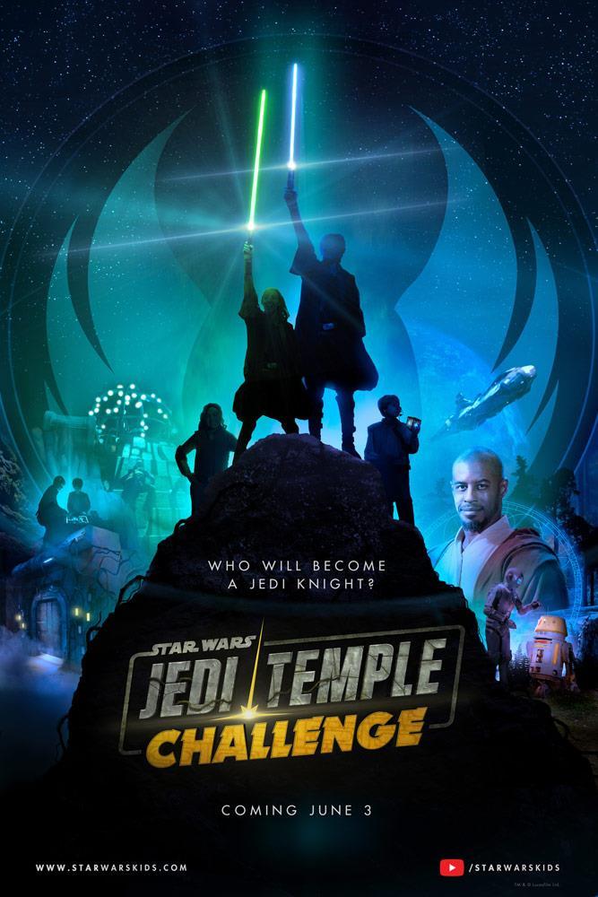 Ahmed Best insieme ai droidi dello show e a dei bambini con la spada laser nel poster di Star Wars: Jedi Temple Challenge
