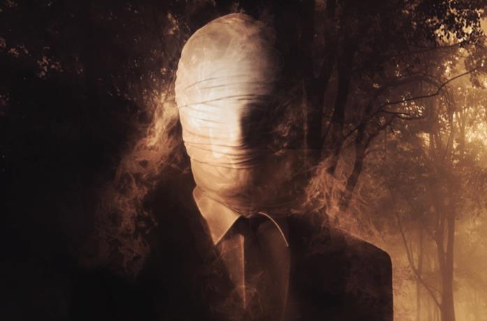 Lo Slender Man nel film di Sylvain White