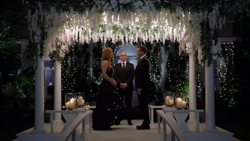 Harvey e Donna sull'altare, Suits 9x10