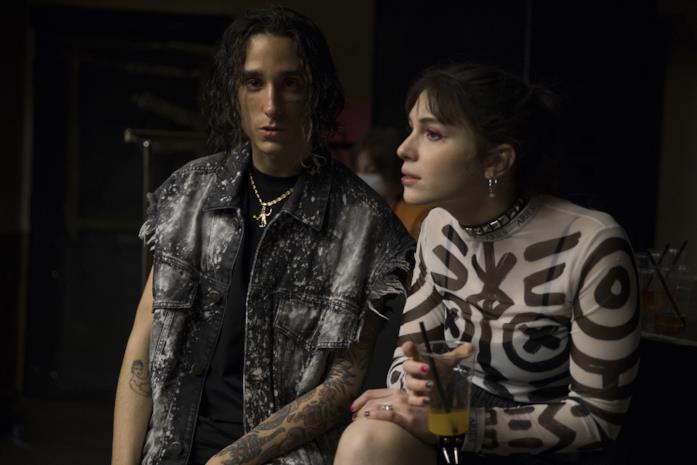 Andrea Carpenzano e Ludovica Martino in una scena del film Lovely Boy