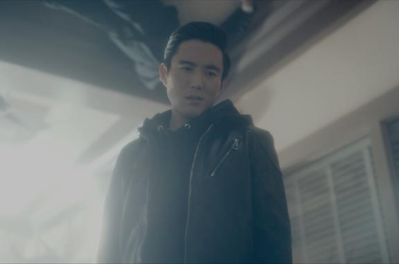 Justin Min è Ben (Numero Sei) in The Umbrella Academy