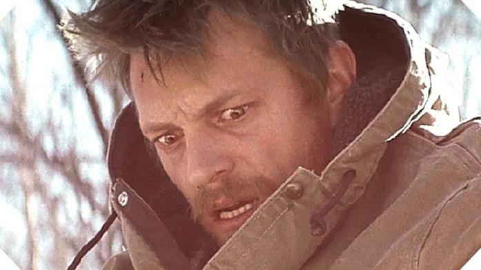 Joel Kinnaman scena Edge of Winter