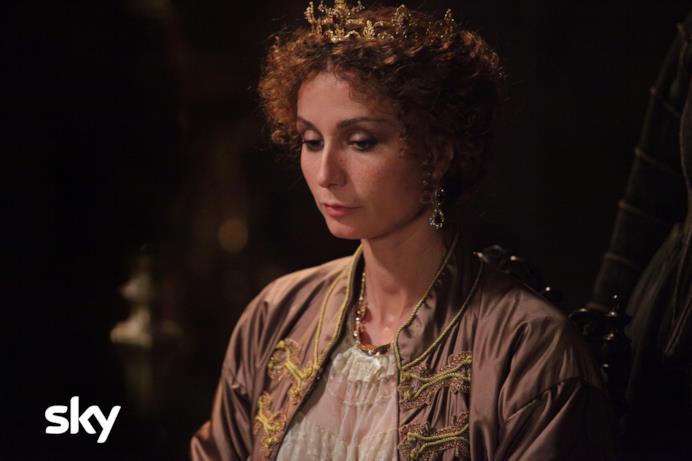 Anna Ferzetti alias Enrichetta d'Inghilterra in Tutti per 1 e 1 per tutti