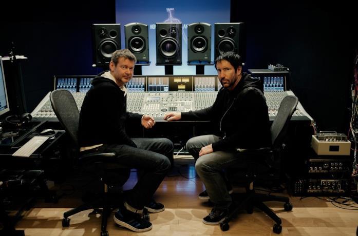 Atticus Ross e Trent Reznor in studio di registrazione
