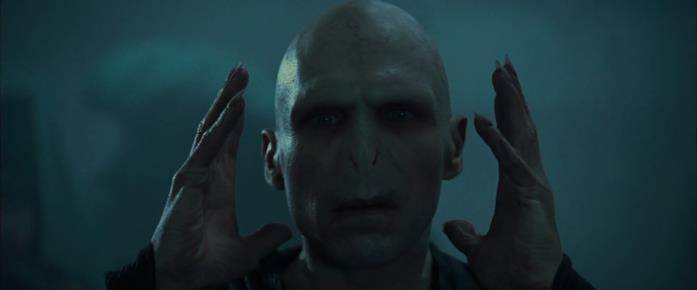 Voldemort è interpretato da Ralph Fiennes