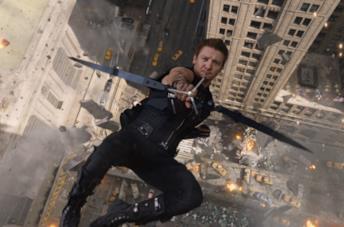 Jeremy Renner nei panni di Hawkeye