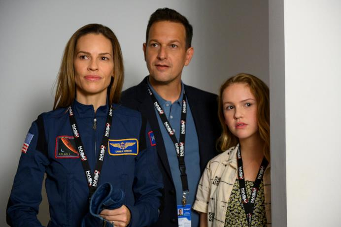 Hilary Swank veste i panni dell'astronauta Emma Green