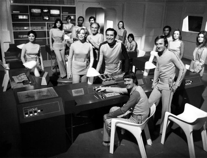 L'equipaggio della base lunare Alpha