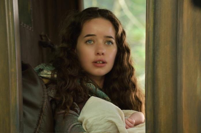 Anna Popplewell è Lady Lola in Regn