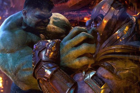 Un fotogramma della sequenza di Hulk contro Thanos in Avengers: Infinity War