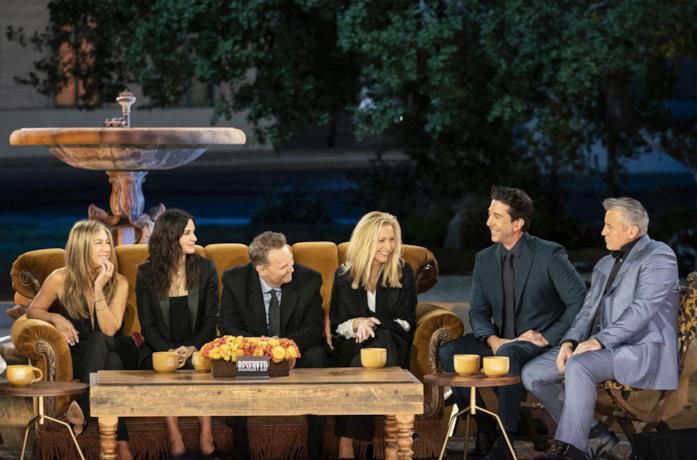 Il cast di Friends in un'immagine della reunion