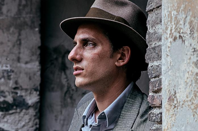 Luca Marinelli è Martin Eden