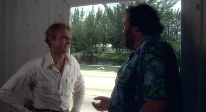 Terence Hill e Bud Spencer in una scena del film Pari e dispari