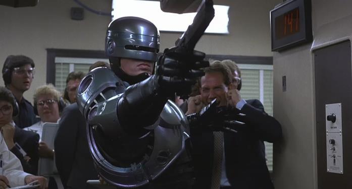 Robocop armato della sua mitica pistola