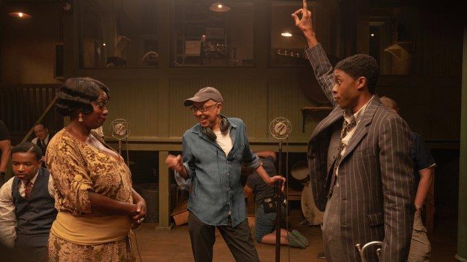 Viola Davis e Chadwick Boseman in una scena del film