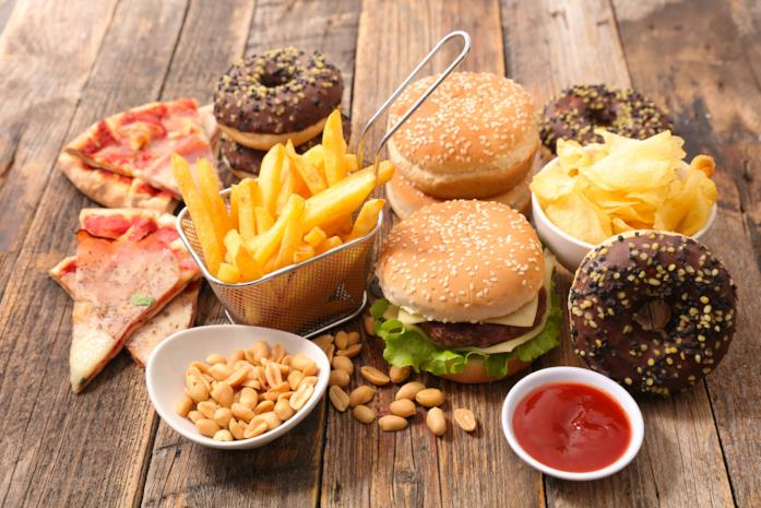 Vengono considerati junk food i cibi che possono provocare danni alla propria salute