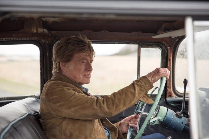 Robert Redford al volante in una scena del film