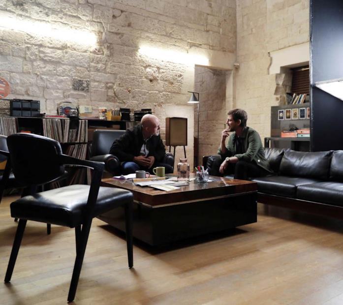 Claudio Gioè con Gianmarco Tognazzi nella serie TV RAI - Passeggeri notturni