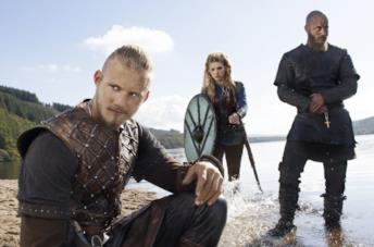Travis Fimmel, Katheryn Winnick e Alexander Ludwig in Vikings