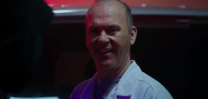 Primo piano di Michael Keaton nel primo trailer di Morbius